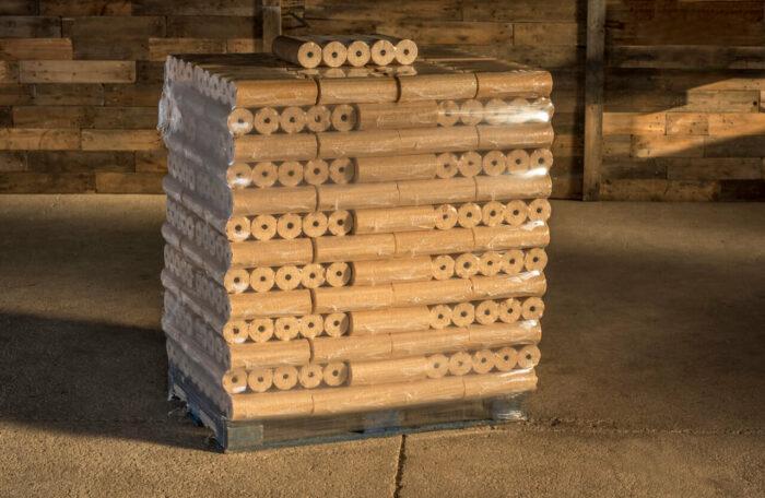 Holzbriketts mit Loch, rund, hell, Fichte